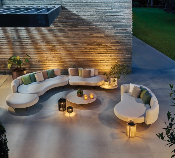 image  1 Curvy Outdoor Living
